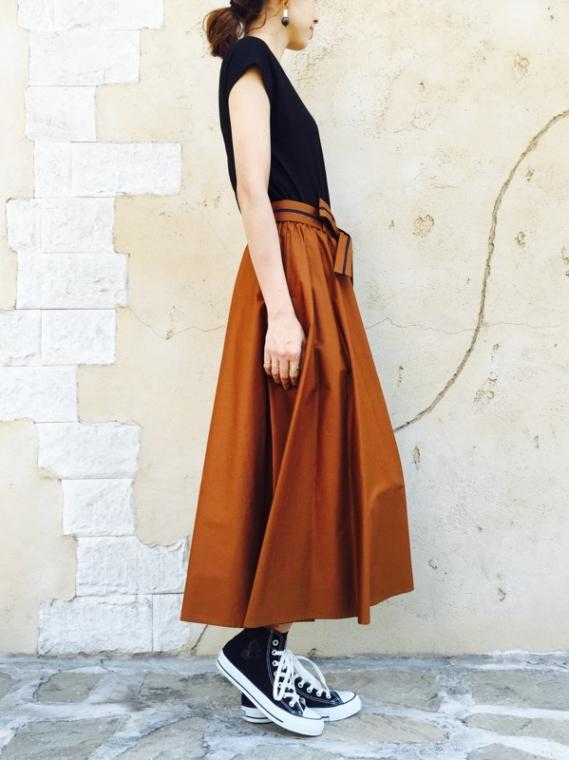PASSIONE(パシオーネ)  リボン付きボリュームフレアスカート