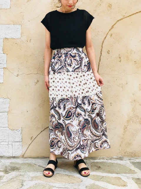 QTUME(クチューム)  ペイズリープリント切り替えマキシスカート