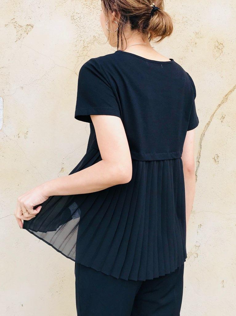 SHES(シーズ)  バックプリーツ切替Tシャツ
